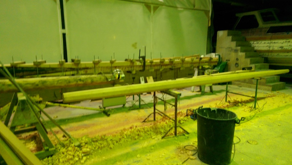 Spars under construction and repair